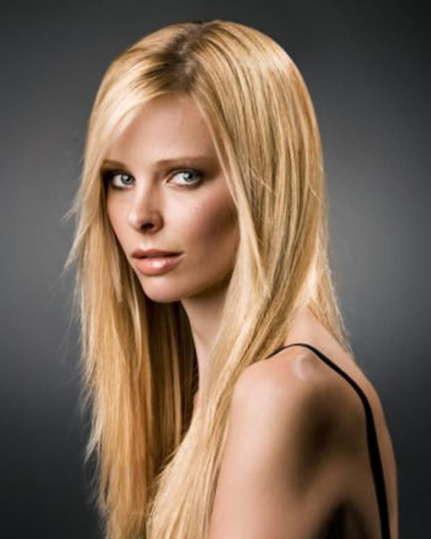 This model has fine, thick hair.  The ends are floaty and soft, but she still has enough hair to look good long.  Those with fine thin hair look better with short - Medium length hair.