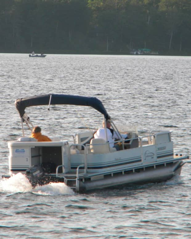 picking-the-perfect-pontoon-boat-prop