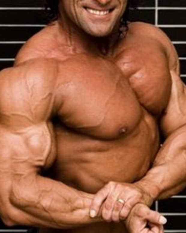 10-ways-to-get-bigger-biceps-and-triceps