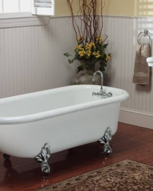 Vintage tub - classic clawfoot