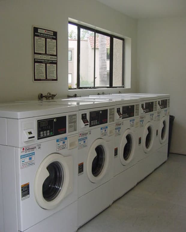 how-to-kill-time-at-a-laundromat