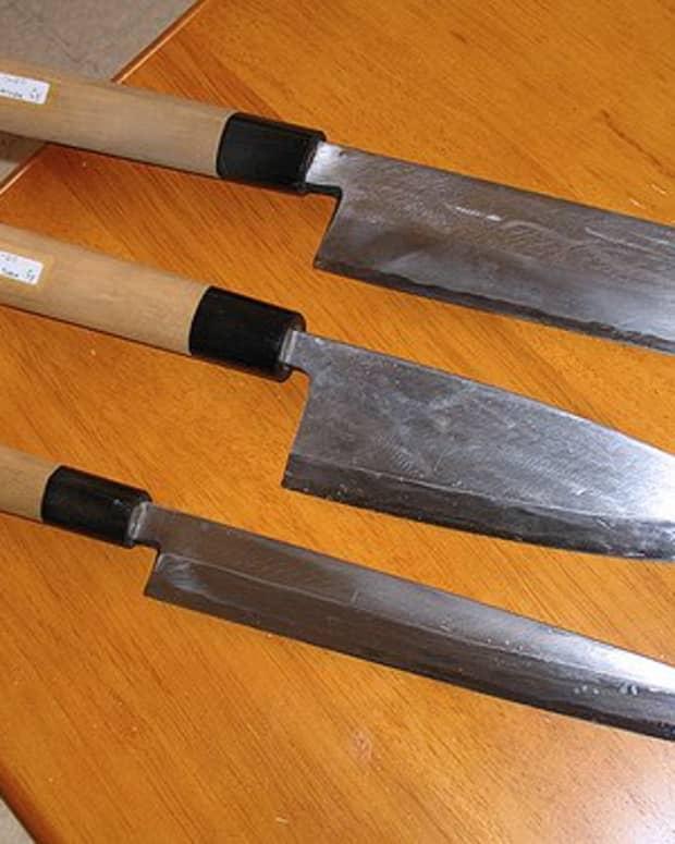 Japanese Knives - from top: Usuba, Deba, & Yanagiba (Photo courtesy by panduh from Flickr.com)