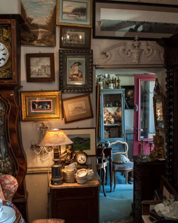 antiquesandcollectibleshowtovalueandsellyouroldthings