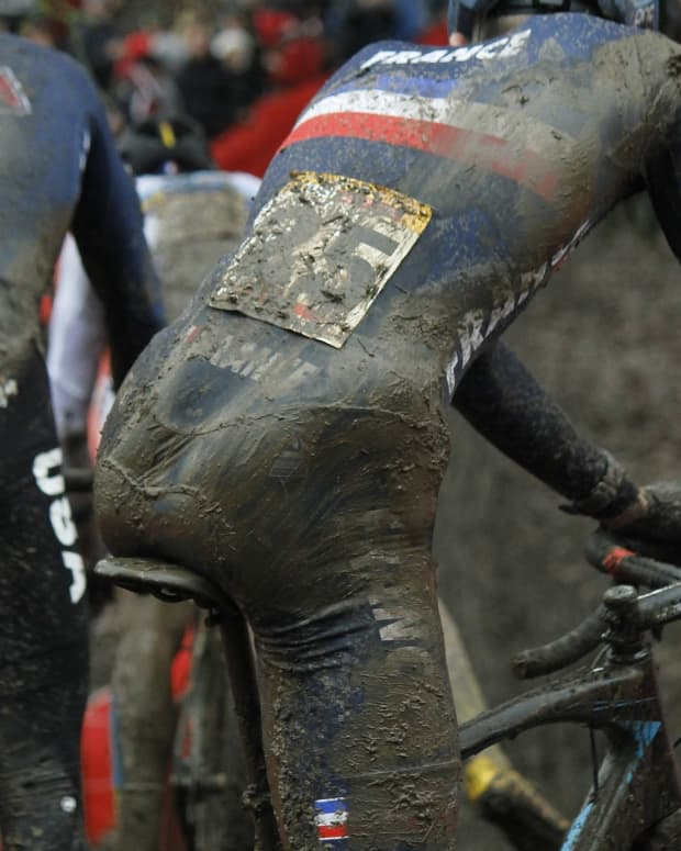 review-of-the-vittoria-cross-xl-pro-cx-tire-in-mud