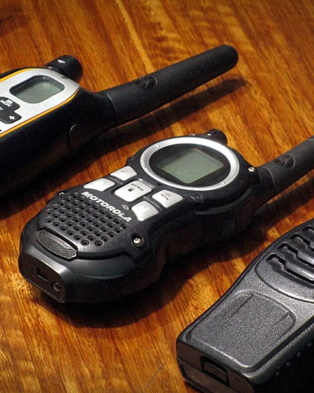 which-two-way-radio-is-best-for-outdoor-adventures