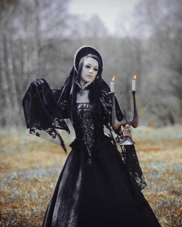 witch-wardrobe