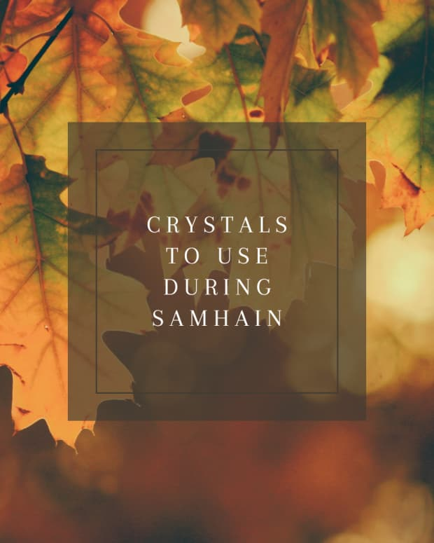 seven-crystals-for-samhain