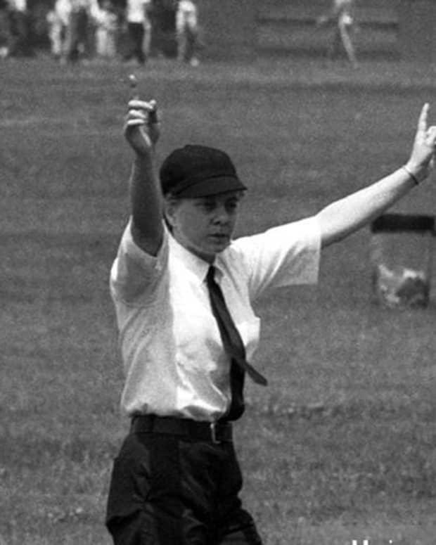 first-major-league-baseball-umpire-bernice-shiner-gera