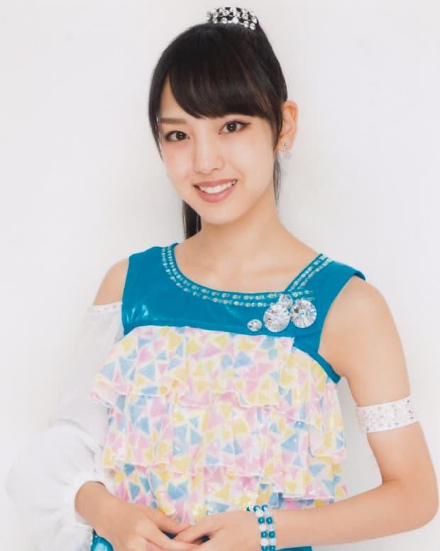 haruna-iikubo-japanese-idol-singer-actress-fashion-model