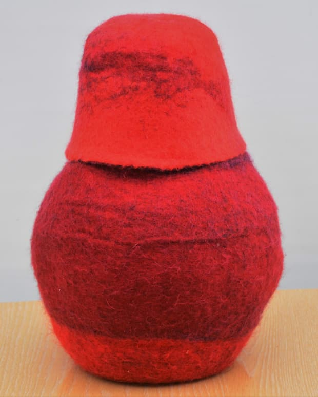 how-to-make-a-wet-felted-vessel-with-matching-lid