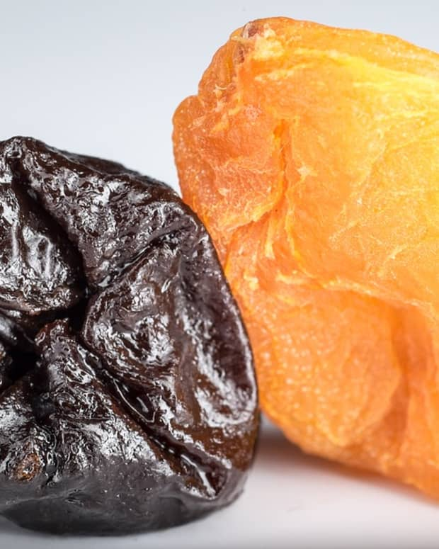 five-potential-health-benefits-dates-and-prunes-have-in-common
