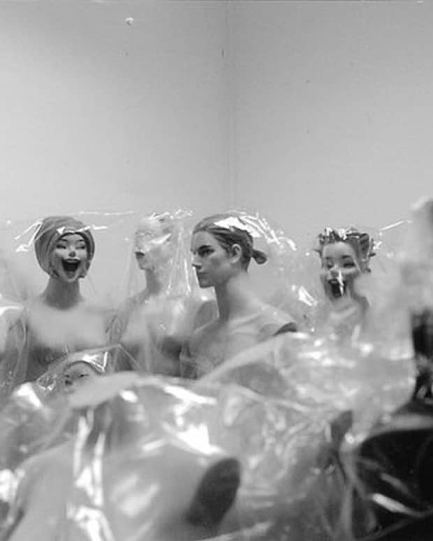 faceless-human-figures-mannequins-and-amish-dolls