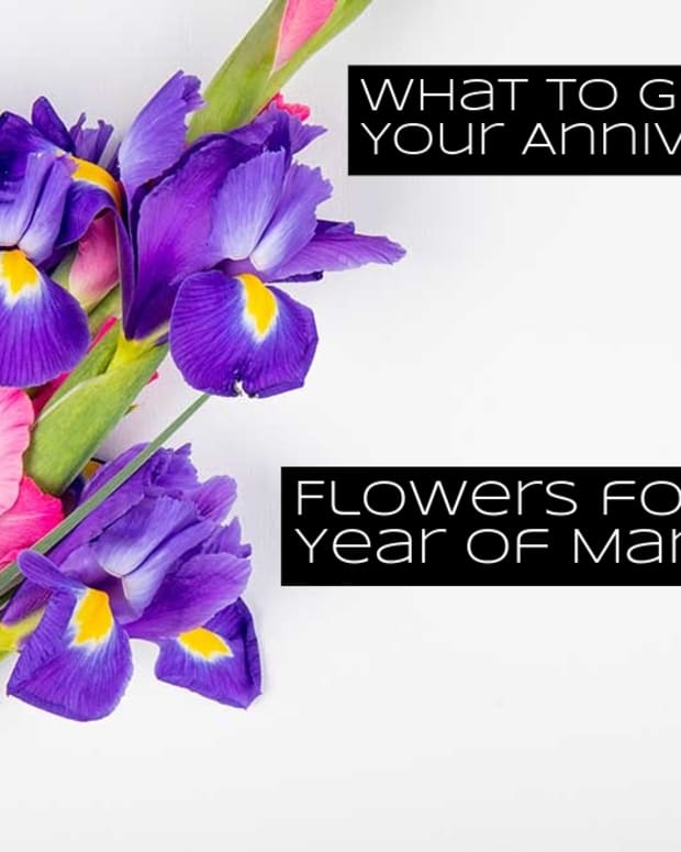 the-right-flower-to-give-for-each-year-of-your-marriage