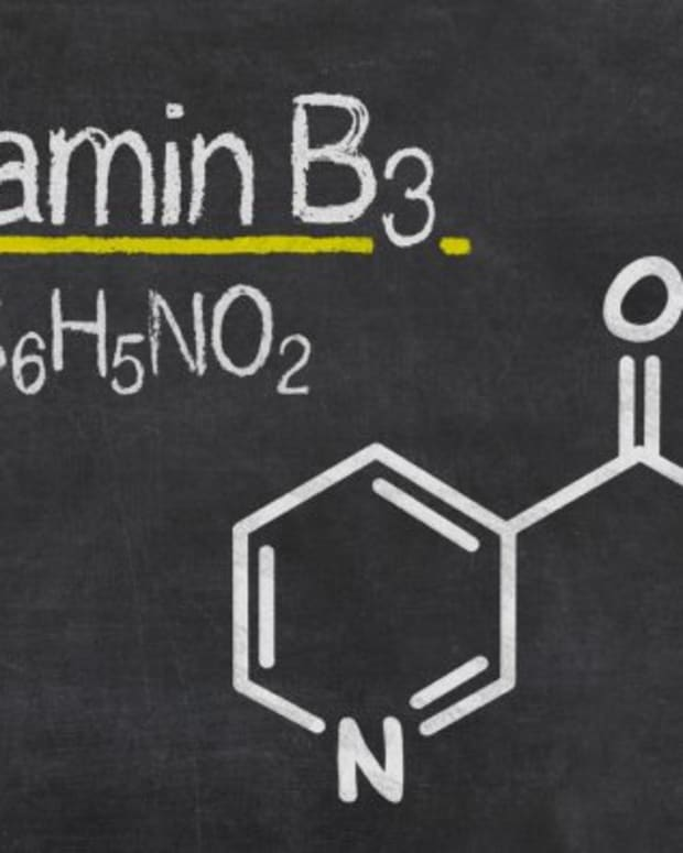 niacinamide-guide-101-meaning-benefits-and-side-effects