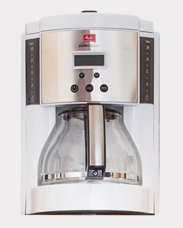 pursue-better-coffee-with-melittas-10-cup-aroma-enhance-glass-white-coffee-maker