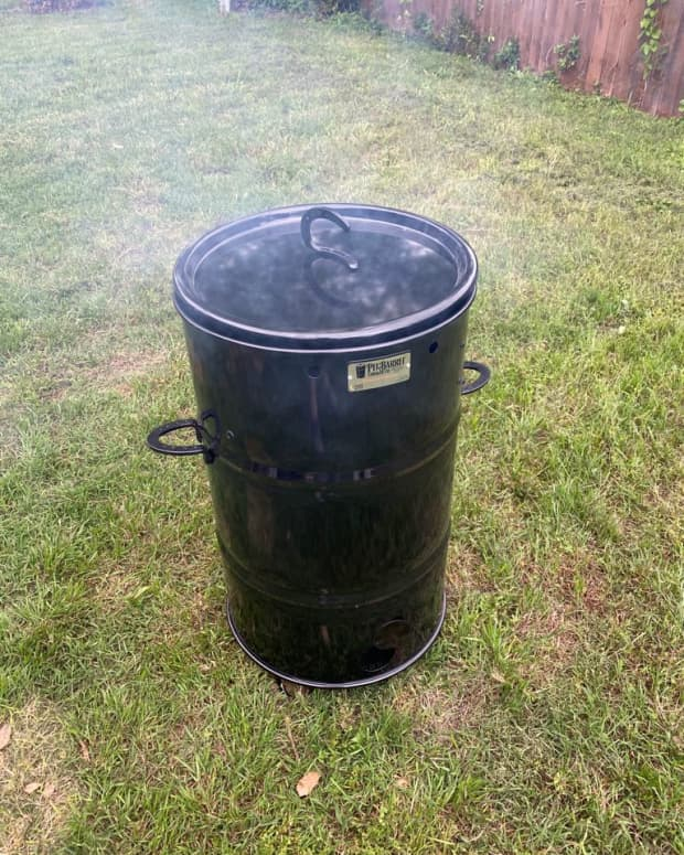 bbq-made-easier-with-the-pit-barrel-cooker