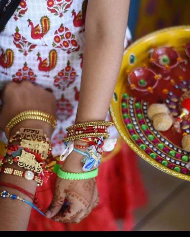 raksha-bandhan-indian-festival-of-brother-and-sister-love