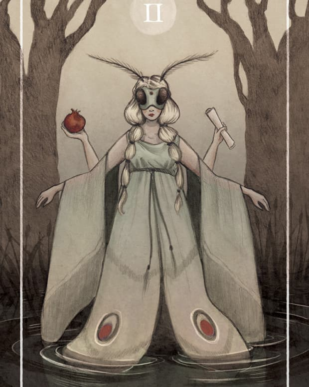 the-high-priestess-card-in-tarot-and-how-to-read-it