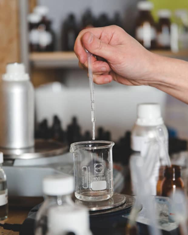 making-perfume-from-home