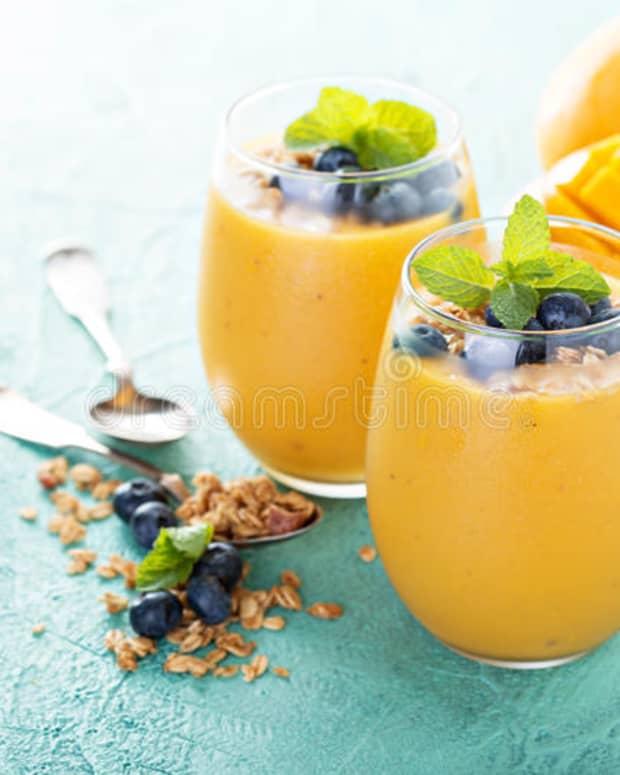 mango-smoothie-indian-style