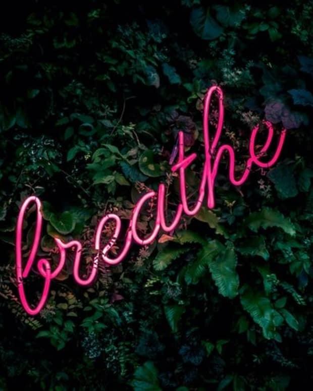 breathing-in-yoga