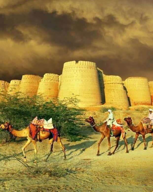 history-or-mystery-haunted-derawar-fort-pakistan
