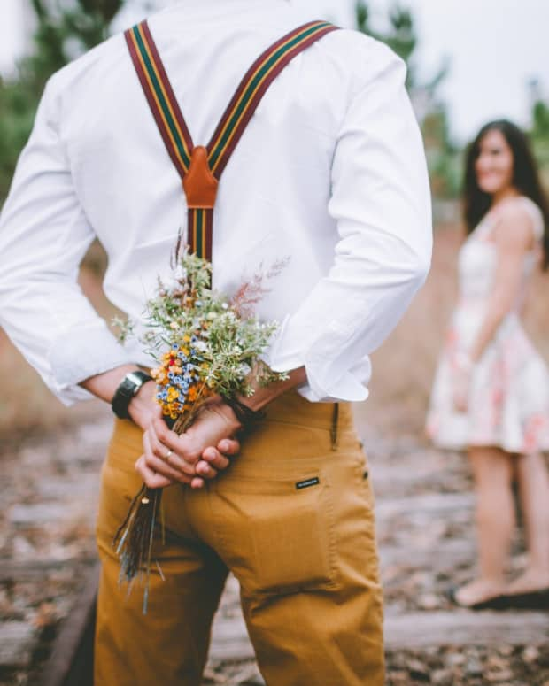 how-to-be-more-romantic-as-a-man-10-easy-tips-and-ideas