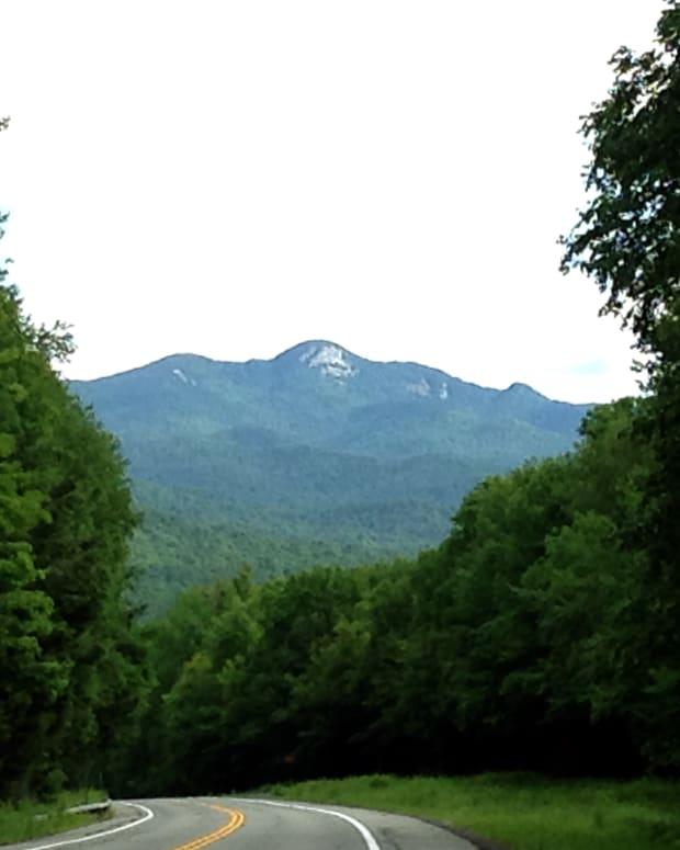adirondack-hike-snowy-mountain