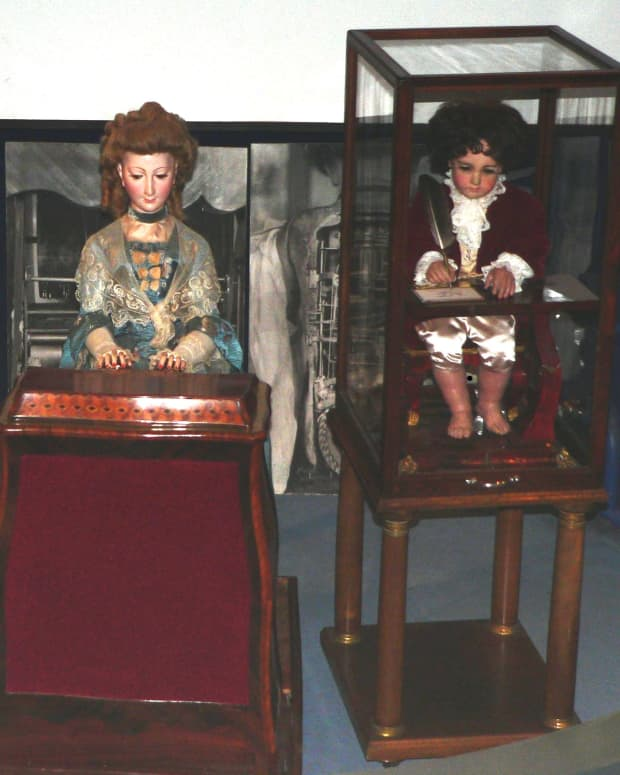 swiss-clockmaker-made-first-robot-240-years-ago