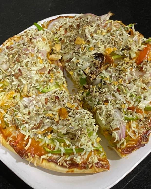 homemade-pizza-quick-n-easy-recipe-using-ready-pizza-base