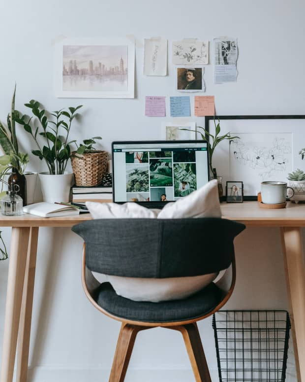 christmas-and-holiday-gifts-for-people-working-at-home