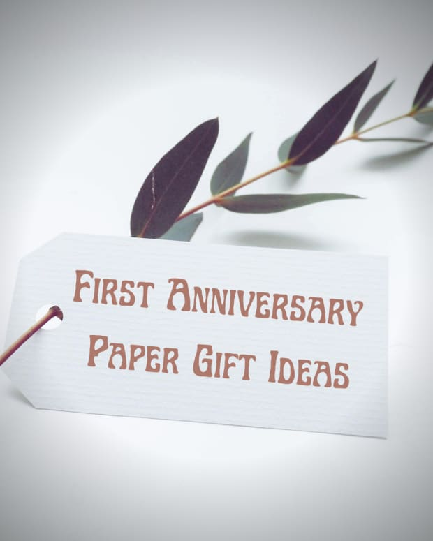 paper-gift-ideas-for-your-first-anniversary
