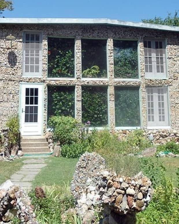 quigleys-castle-historic-fun-eureka-springs-ar-attraction