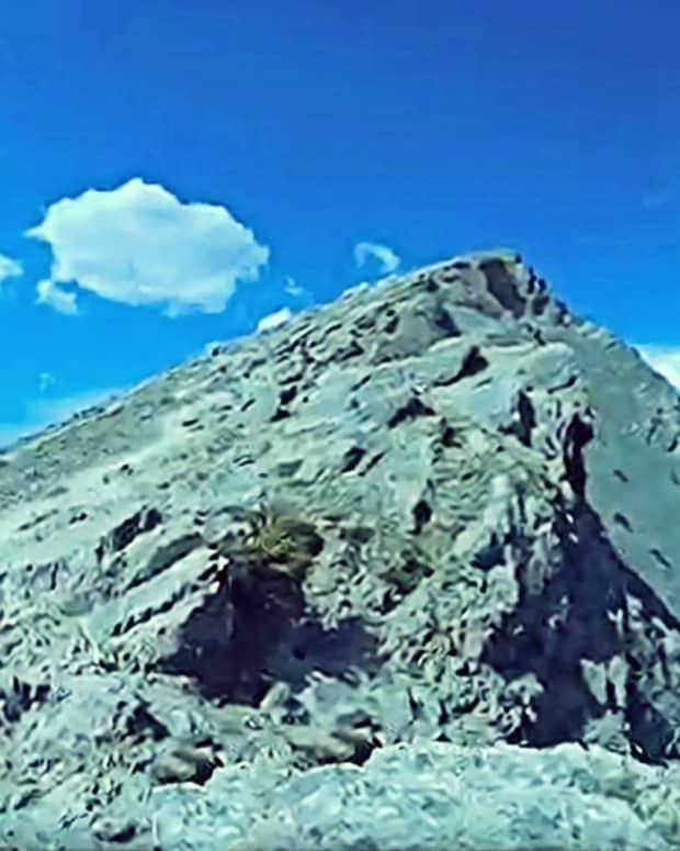 ha-lings-peak-trail-near-canmore-alberta