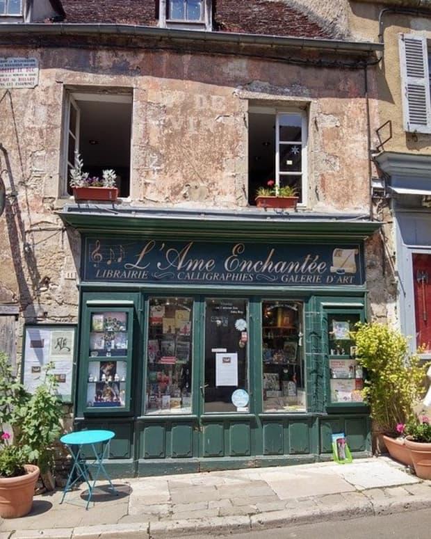wildflowers-and-fireflies-part-4-bookshop-encounter