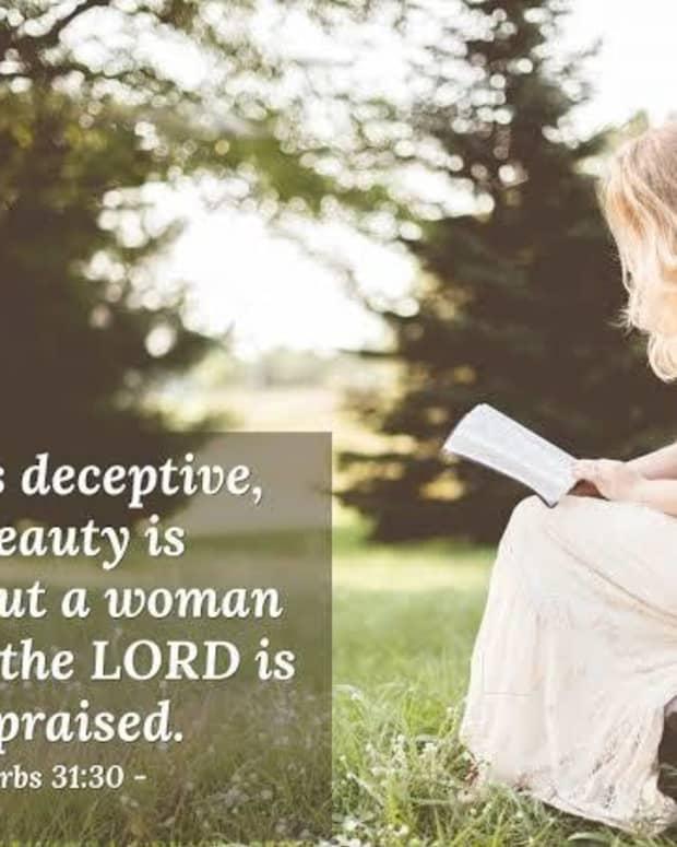 a-woman-worthy-of-praised