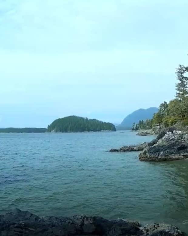 tonquin-beach-and-third-beach-near-tofino-bc