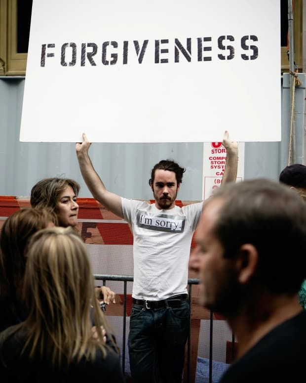 why-forgiving-yourself-is-powerful-according-to-mickey-markoff