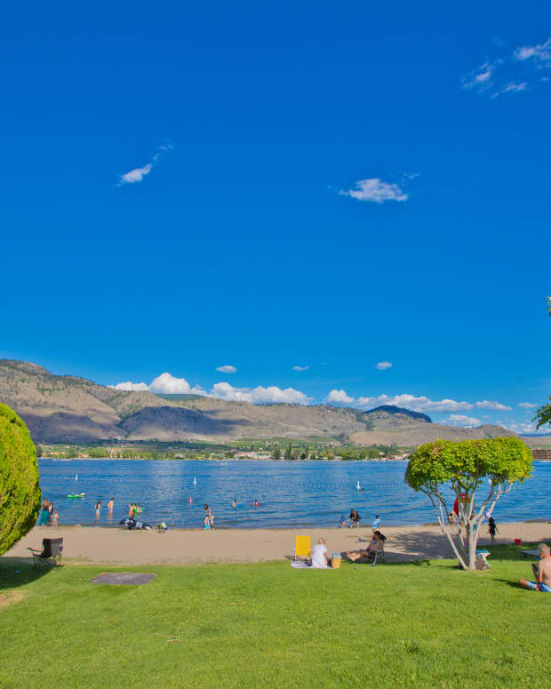 sun-sand-water-and-wine-in-the-mediterranean-climate-of-osoyoos-in-canadas-okanagan-valley