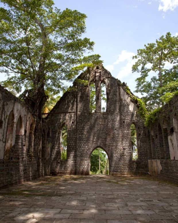 the-frightening-history-of-an-abandoned-indian-island