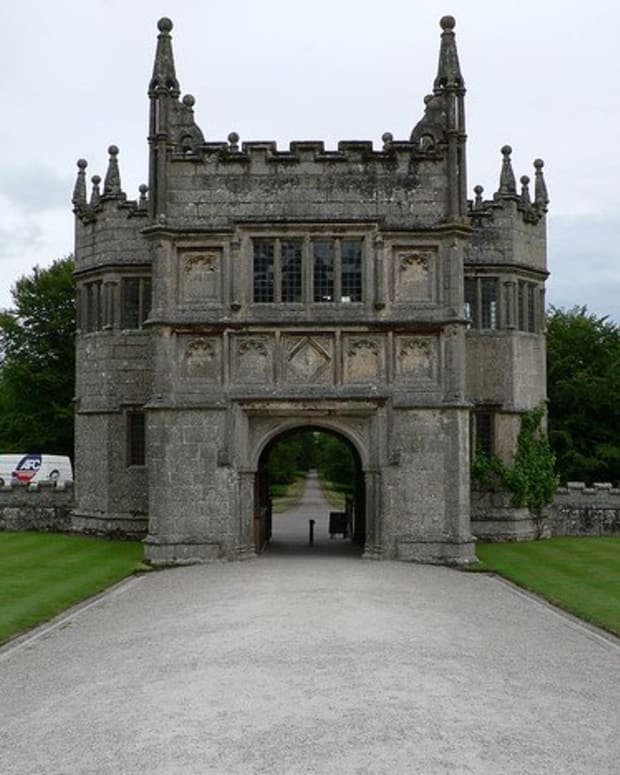 Lanhydrock House Gatehouse Photo by: Alistair Young
