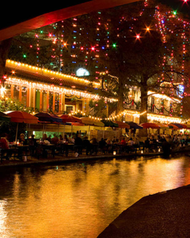 san-antonio-and-texas-hill-country-christmas-parades-christmas-festivals