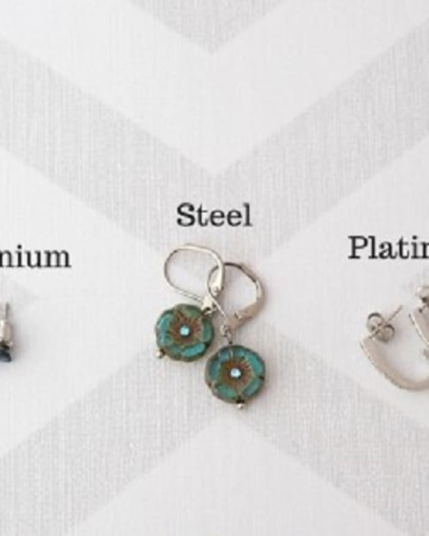 how-to-choose-earrings-for-sensitive-pierced-ears