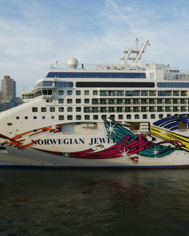 norwegian-cruise-vs-carnival-cruise