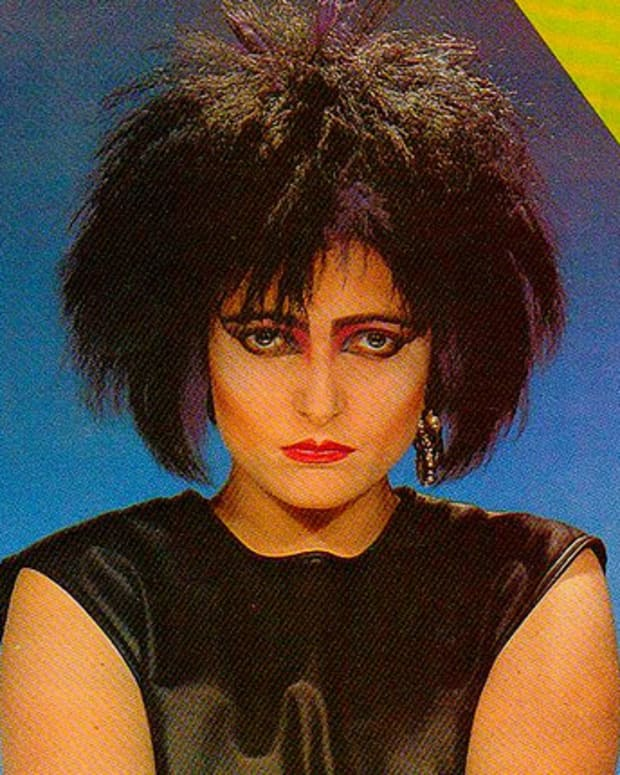 top-ten-list-of-the-best-female-goth-musicians