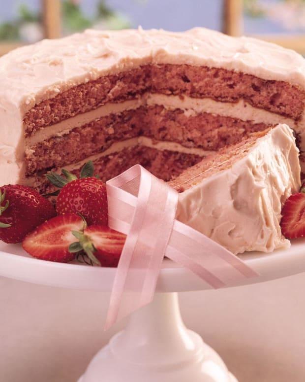 fresh-strawberry-triple-layer-cake