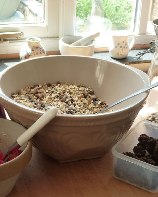 the-correct-way-to-eat-muesli