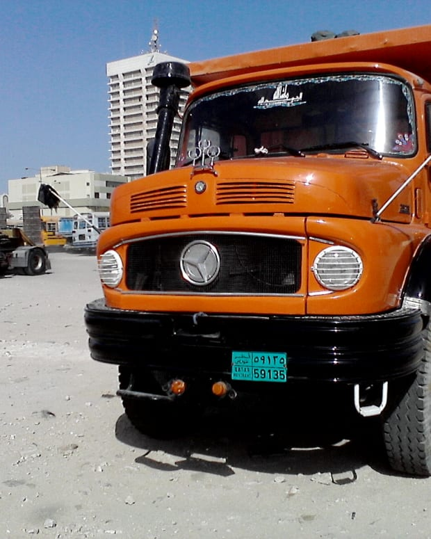 bullnose-mercedes-trucks-doha-qatar