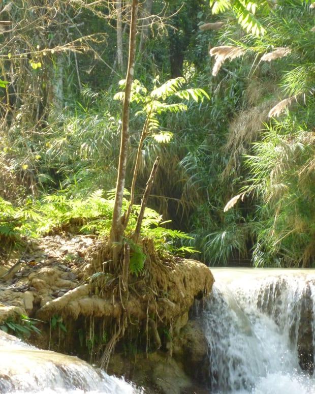 top-5-best-waterfalls-in-laos