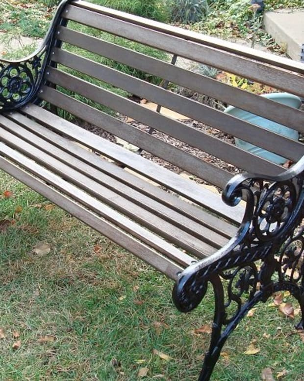 diy-restore-a-garden-bench